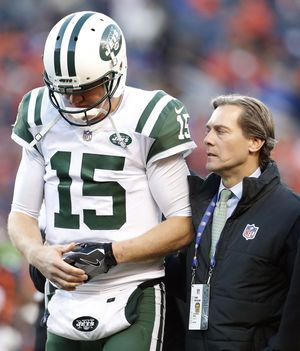 Jets QB Josh McCown out for rest of season with broken hand