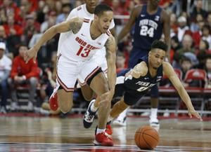 No. 3 Maryland rallies from 15 down, beats Illinois 59-58