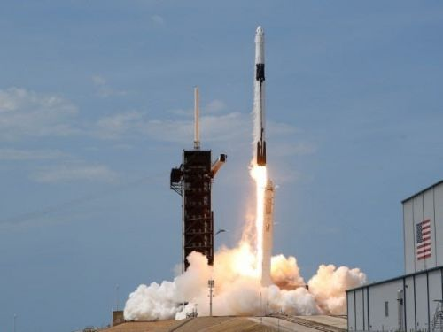 Virgin Galactic spikes 10% following successful launch of SpaceX rocket