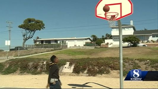 Basketball helps keep Seaside youth away from gangs