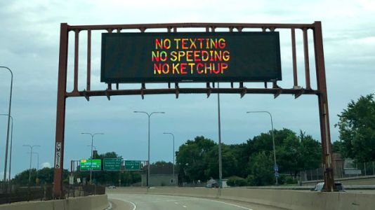 Chicago is now spreading anti-ketchup propaganda on expressways