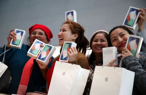 Here's why analysts think Apple's cash move is such a big deal