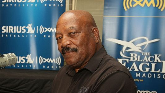 Jim Brown on NFL protests: 'I'll never kneel and I will always respect the flag'