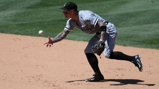 MLB hot stove: Infielder Brett Lawrie signs with Brewers