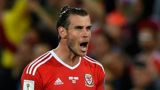 Bale should snub Man Utd to stay at Real Madrid - Giggs