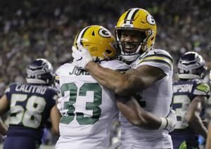 After huge 1st half, Packers go silent in loss to Seahawks