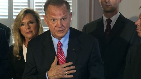 Roy Moore's attorney holds press conference amid allegations