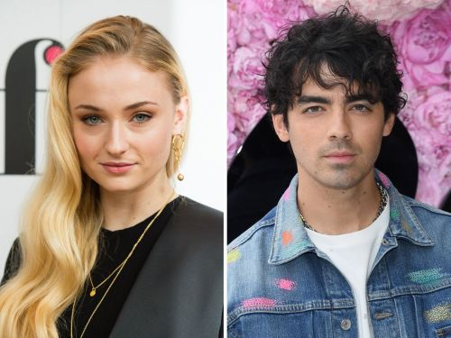 Sophie Turner says the reason she was crying with Joe Jonas in public was because of her period