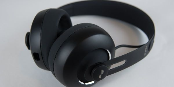 These $400 headphones are the first to get noise cancelling with an app update after they were first released - and they're $300 for Amazon Prime Day