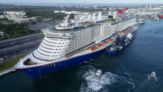 LNG-Powered Mardi Gras Refuels for the First Time at Port Canaveral