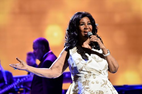 Aretha Franklin at home, surrounded by loved ones, family source says