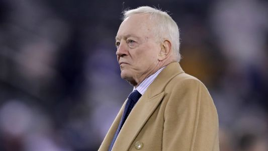 Jerry Jones: Cowboys will play in front of fans in 2020