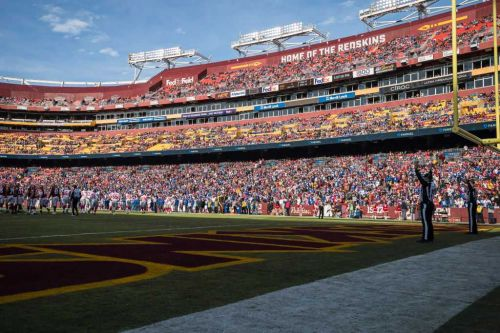 FedEx asks Washington Redskins to change their name