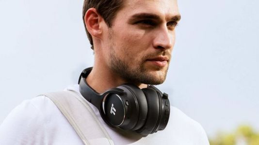 These $38 Noise Canceling Headphones Are, Against All Odds, Pretty Good!