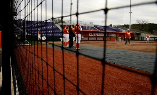 Clemson softball wins historic 18th straight