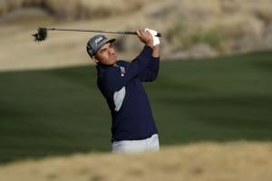 Rickie Fowler, Scottie Scheffler tied for lead in desert