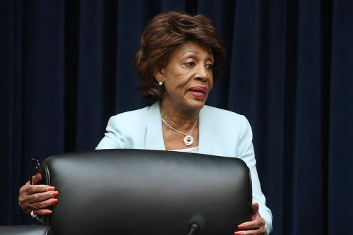 Waters calls on Facebook to halt digital currency plans