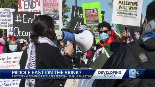 Protest supporting Palestine draws hundreds to downtown Milwaukee