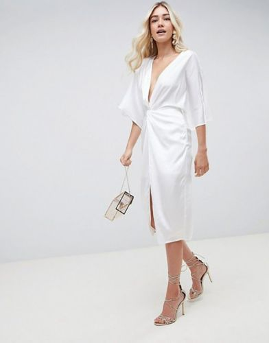2019 Wants You to Replace Your LBD With an LWD