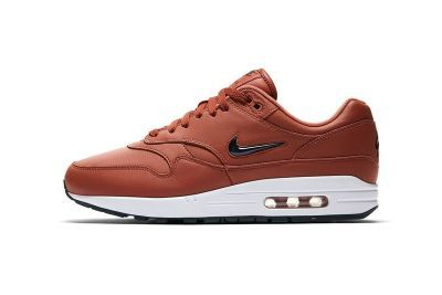 "Nike Dresses the Air Max 1 Jewel in ""Dusty Peach"" Leather"