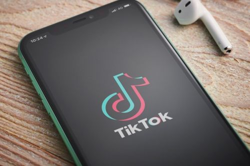 TikTok and WeChat to be Removed From U.S. App Stores This Weekend
