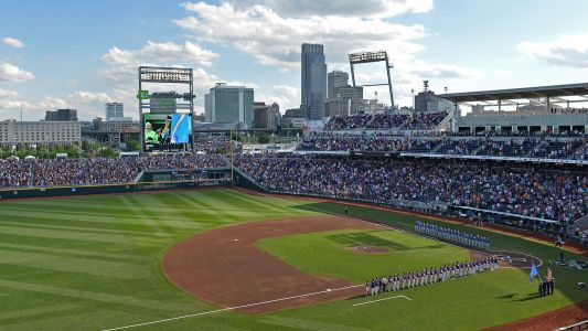 College World Series weather: Will rain in forecast delay Louisville vs. Auburn in Omaha?