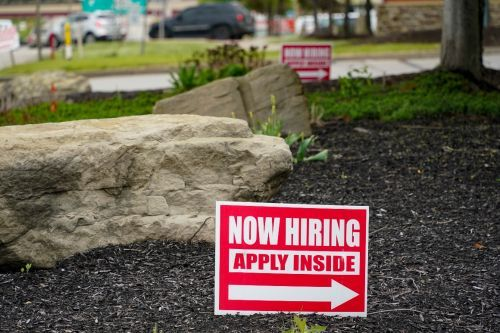 U.S. unemployment claims drop to 473,000, a new pandemic low