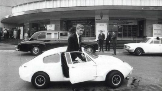 Back in the 1960s, Marcos Engineering didn't have enough money to display their Mini-based sports co