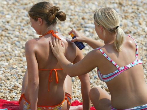 7 scary reasons you should wear sunscreen daily - besides sunburn