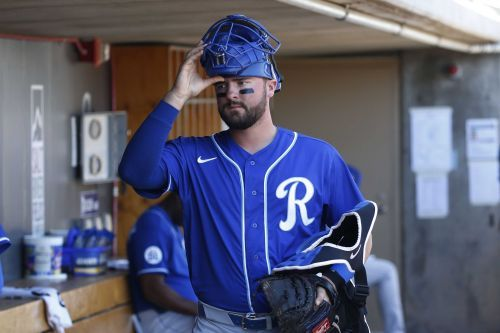Royals catcher Cam Gallagher tests positive for COVID-19
