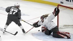 Shots from stands, women's 3-on-3 highlight NHL skills event