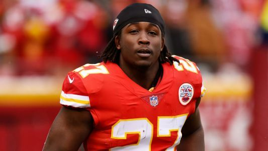 Kareem Hunt reportedly enters counseling for alcohol, anger management