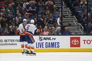 Nelson scores in OT to lift Islanders over Blue Jackets 3-2