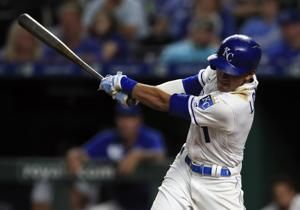 Junis, Lopez lead Royals past White Sox 5-2