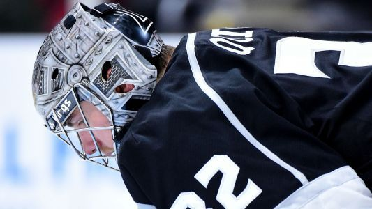 Kings goalie Jonathan Quick out indefinitely after surgery