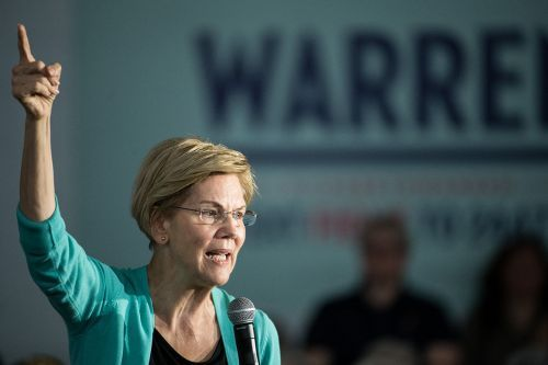 Warren apologizes for 'harm I have caused' at Native American event