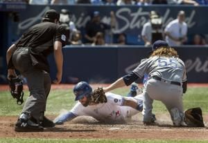 Pillar scores tiebreaking run as Jays beat Rays 2-1