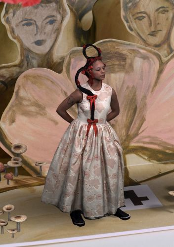 """Simone Rocha and HM Launch Star-Studded """"Augmented Reality Experience"""""""