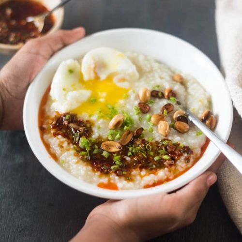 Congee with instant chili oil