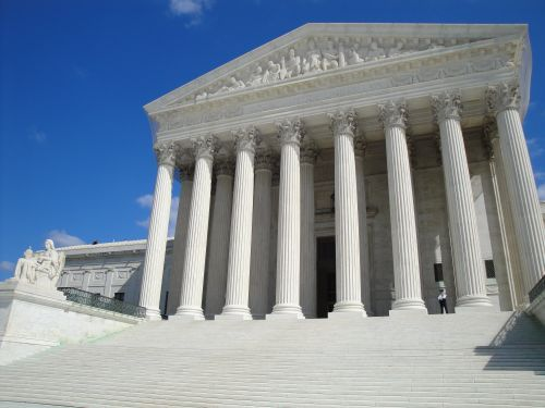 Supreme Court strikes down part of immigration law concerning 'crime of violence'