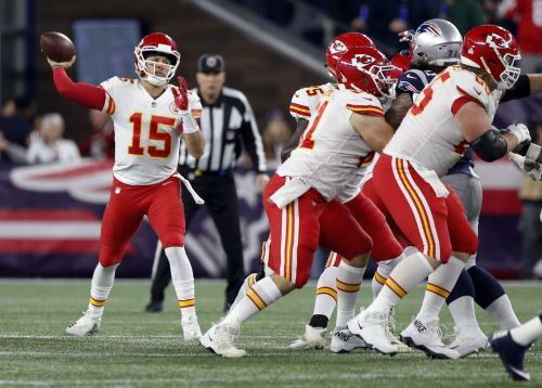 Brady, Patriots top Chiefs for wild 43-40 win