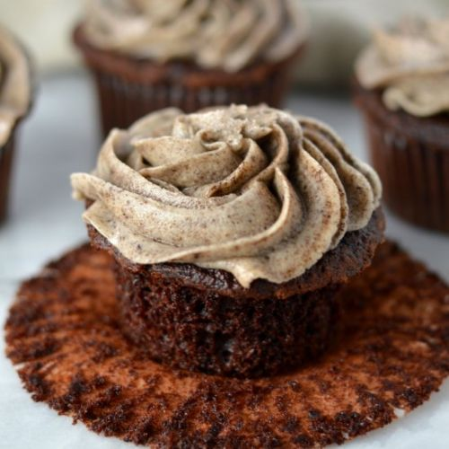 Chocolate Cupcakes with Cookies