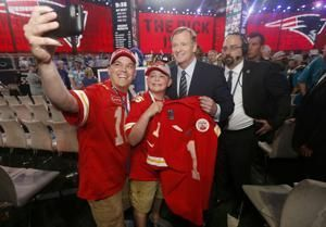 With no Round 1 picks, Chiefs poised for crucial Day 2
