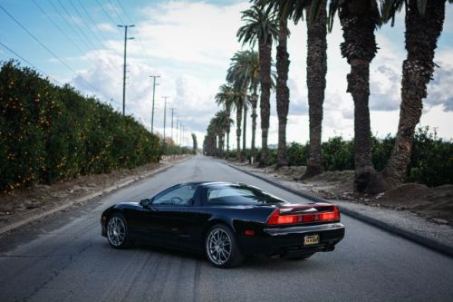 Your Oranges-And-Black NSX Wallpaper Is Here