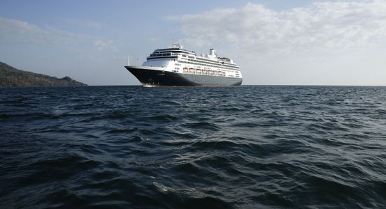Ill cruise ship passengers will be transferred to Florida hospitals