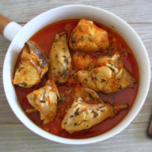 Chicken with tomato sauce rosemary