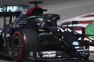 Spanish F1 GP: Hamilton takes pole position ahead of Bottas