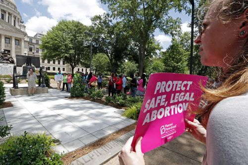 Mississippi abortion law 'smacks of defiance,' judge says