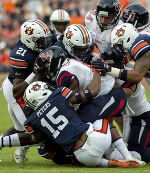 Auburn puts up over 500 yards of offense, routs Liberty 53-0