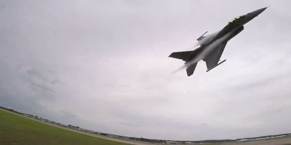 Watch this heart-stopping video of an F-16's low take-off, high-g turn